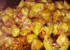 κύρια φωτογραφία συνταγής Πατατούλες κοκκινούλες Potatoes, Vegetables, Food, Potato, Essen, Vegetable Recipes, Meals, Yemek, Veggies