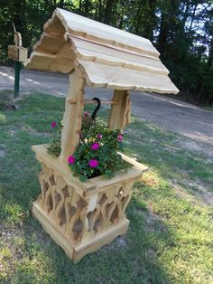 Wishing Well Planter (Berry Basket Collection)