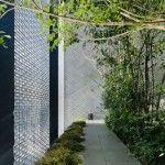 House With Optical Glass Facade | InteriorHolic.com