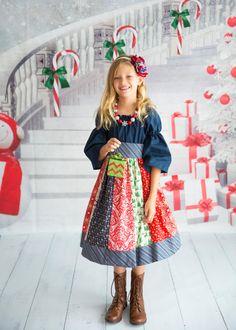 Girls Christmas Dress Christmas Star sizes 6 by SunLoveShirts