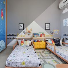 Cama montessoriana: 90 modelos lindos, vantagens e onde comprar Boys Bedroom Furniture, Kids Bedroom Sets, Baby Bedroom, Baby Boy Rooms, Kids Bed Design, Home Room Design, Boy And Girl Shared Bedroom, Girl Room, Simple Apartment Decor