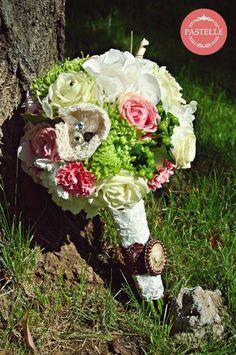 vintage wedding bouquet  Event planning & decorations. Contact: ilinca@pastelle.ro https://www.facebook.com/PastelleEvents