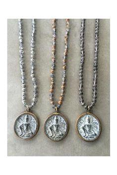 Buddha crystal neck - Icon  <3