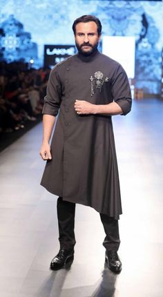 Mens Eid styling wear What to wear On eid- Kurta for Eid- Shantanu and Nikhil - Lakme Fashion Week - SR 18 - 4 Men Ethnic Wear India, India Fashion Men, Mens Indian Wear, Indian Men Fashion, Mens Fashion Wear, Wedding Kurta For Men, Wedding Dresses Men Indian, Wedding Dress Men, Gents Kurta Design