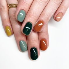 You deserve the most fabulous nails this season! Checkout some of these AMAZING nail designs to give you the type of Fall nail inspiration you absolutely NEED Fancy Nails, Cute Nails, Pretty Nails, Minimalist Nails, Nail Manicure, Nail Polish, Fall Nail Designs, Nagel Gel, Perfect Nails