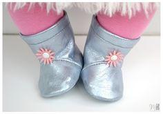 Комплект «Нежность» в серо-розовом для куклы Беби Бон 43 см. Комплект состоит из шести предметов: пальто, платье, лосины, шапочка, повязка / 1 900р