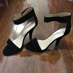 Heels (NEVER WORN) NEVER WORN. No scratches nor scuff marks. Shoes Heels
