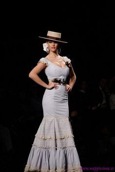 Margarita Freire Mexican Fashion, Spanish Fashion, Flamenco Costume, Dance Costumes, I Love Fashion, Boho Fashion, Estilo Cowgirl, Anniversary Dress, Latin Ballroom Dresses