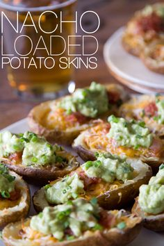 Nacho Loaded Potato Skins and 7 tasty avocado recipes I Love Food, Good Food, Yummy Food, Potato Dishes, Potato Recipes, Finger Food Appetizers, Appetizer Recipes, Potluck Recipes, Yummy Appetizers