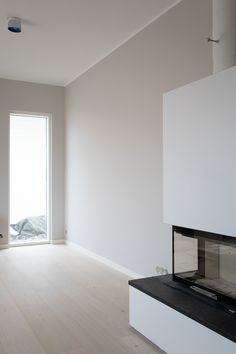 Vihreä talo - sisustusblogi: Talon sisävärit - testimaalauksista valmiisiin huoneisiin Grey Interiors, Room Wall Colors, Flat Screen, Sweet Home, New Homes, Inspiration, Home Decor, Ideas, Houses