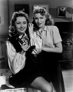 Vintage Hollywood : Joan Blondell and Lana Turner in Two Girls on Broadway 1940 Old Hollywood Stars, Hollywood Icons, Golden Age Of Hollywood, Vintage Hollywood, Hollywood Actresses, Classic Hollywood, Actors & Actresses, Lana Turner, Classic Actresses