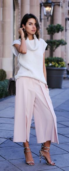 White Sleeveless Cropped +  Pink Pleated +  Snake Heels / Vivaluxury