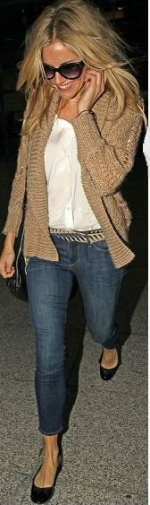 CAPRICORN: Sienna Miller. Beige cardigan + white blouse + jeans + black flats