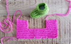 Uncinetto Babbucce calze antiscivolo facili tutte le taglie Lana, Straw Bag, Crochet Earrings, Scrap, Slippers, School, Hobby, How To Make, Accessories