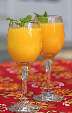 Dairy-Free Mango Smoothie or Lassi - Jeanette's Healthy Living. Try adding Chia seeds to this. You will be amazed with the result. Mango Smoothie Recipes, Coconut Milk Smoothie, Mango Recipes, Good Smoothies, Smoothie Drinks, Fruit Smoothies, Raw Food Recipes, Healthy Recipes, Coconut Yogurt