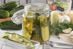 Many of us love snacking on dill pickles or eating them alongside our burgers and sandwiches. The problem is, most already-made varieties are typically high in sodium. That's why it's always better to make your own Homemade Pickles. Corn Dishes, Side Dishes, Great Recipes, Favorite Recipes, Recipe Ideas, How To Make Pickles, Best Pickles, Canning Pickles, Refrigerator Pickles