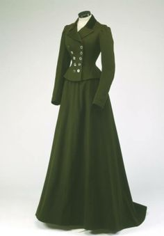"""""""Simple but stylish c.1900 suit for a cold winter day. From McCord Museum, link: """""""