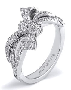 THE KNOT COLLECTION K3180 by TRUE KNOTS // More from TRUE KNOTS: http://www.theknot.com/gallery/wedding-rings/TRUE KNOTS