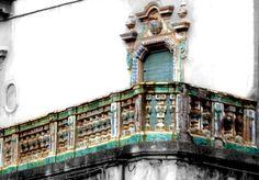 CALTAGIRONE balconi antichi - Cerca con Google #lsicilia #sicily #caltagirone