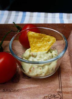 http://babyrockmyday.com/2013/06/21/nacho-friday-mit-guacamole-dip-und-viel-kase/