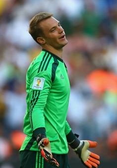 Manuel Neuer Photos - Manuel Neuer of Germany reacts during the 2014 FIFA World Cup Brazil Final match between Germany and Argentina at Maracana on July 2014 in Rio de Janeiro, Brazil. - Germany v Argentina Good Soccer Players, Football Players, Wm Finale 2014, Germany Team, Dfb Team, Soccer Memes, Fc Bayern Munich, World Cup Winners, Fo Porter
