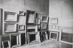 Laure Albin Guillot - Le Louvre pendant la guerre, 1939