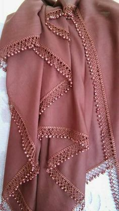 Filet Crochet, Crochet Borders, Crochet Shawl, Crochet Lace, Hand Embroidery Videos, Hand Embroidery Stitches, Crochet Stitches, Embroidery Designs, Saree Tassels Designs