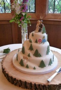 Love this snowboarding theme wedding cake x