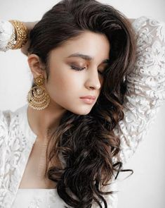 Alia Bhatt New Look HD Wallpapers and images collection of colorfullhdwallpapers. Latest Photos Collection of bollywood actress Alia Bhatt Full HD Wallpapers,pictures, pics and images. Beautiful Bollywood Actress, Beautiful Indian Actress, Beautiful Actresses, Elegant Hairstyles, Indian Hairstyles, Girl Hairstyles, Indian Celebrities, Bollywood Celebrities, Bollywood Actors