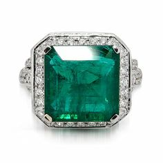 Classic 18k White Gold Emerald & Diamond Ring