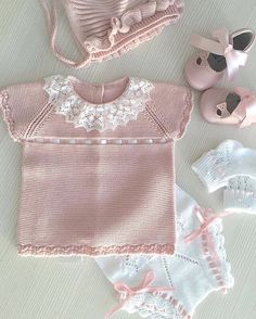 862 Likes, 18 Comments - Moda Infantil Made In Spain ( . Baby Outfits, Kids Outfits, Cute Kids Fashion, Baby Girl Fashion, Crochet Girls, Crochet Baby, Outfits For Spain, Smocked Baby Dresses, Knitting Dolls Clothes