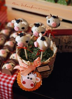Farm, Barnyard Birthday Party Ideas | Photo 15 of 17 | Catch My Party