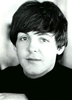 Paul McCartney Is So Beautiful What A Good Looking Guy