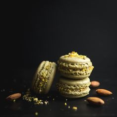 #pistachio #macarons Pistachio Macarons, Food Photography, Sweets, Cookies, Photo And Video, Desserts, Instagram, Biscuits, Deserts