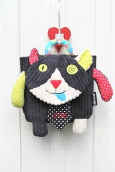 Deglingos Rugzak Carlos the Cat Backpacks, Christmas Ornaments, Holiday Decor, Kid Games, Bed Covers, Rugs, Hilarious, Manualidades, Preschool
