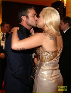 Lady Gaga Kisses Taylor Kinney at Golden Globes Party 2014! | lady gaga kisses taylor kinney at golden globes party 2014 02 - Photo
