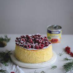 Veja esta de Receita de Cheesecake soufflé de leite condensado com coulis de frutos vermelhos. Esta e outras deliciosas receitas no site de nestlé Cozinh