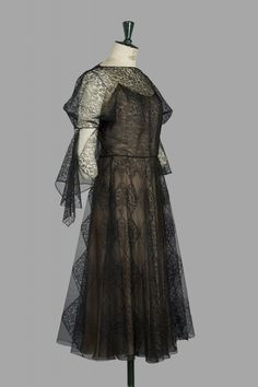 Madeleine Vionnet (probablement été 1937), Robe du soir