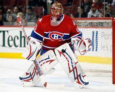 Jaroslav Halák aura réussi 13 blanchissages en 69 rencontres pendant son séjour avec les Bulldogs de Hamilton, un record de franchise. Plus tard, il deviendra l'unique gardien recrue de l'histoire du CH à avoir remporté ses 8 premiers matches à domicile. En février 2008, Halák est appelé à seconder Carey Price, devenu gardien numéro un de l'équipe suite au départ de Cristobal Huet vers Washington. L'année suivante, Price est blessé. Halák prendra part à 34 matchs de son équipe. Hockey Goalie, Hockey Teams, Hockey Players, Montreal Canadiens, Nhl, Goalie Mask, The Ch, Nfl Fans, Bulldogs