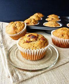 Muffins integrali alla banana con miele e bacche di goji, senza zucchero