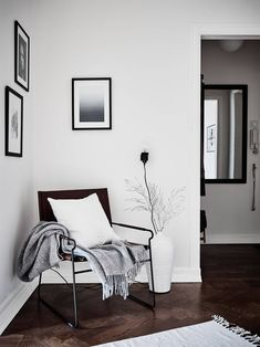 Cozy home with brown details - via Coco Lapine Design