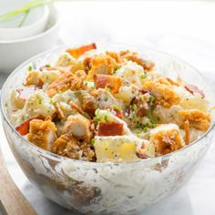 If you're looking for a crowd winning side dish to bring to your next pot luck, this Chicken Bacon Ranch Potato Salad is it! A potato salad is a staple at any bbq or pot Bacon Ranch Potato Salad, Chicken Bacon Ranch Wrap, Bacon Ranch Potatoes, Bacon Potato, Garlic Chicken, Bbq Chicken, Rotisserie Chicken, How To Make Potatoes, Crispy Fried Chicken