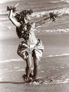 """Kim Taylor Reece """"Ki'ipa"""" 11 X 14 Double Matted Hawaiian Hula Print - New Hawaiian Homes, Hawaiian Art, Hawaiian Tattoo, Kim Taylor Reece, Polynesian Dance, Polynesian Culture, Tahitian Dance, Hawaii Hula, Hawaiian Dancers"""