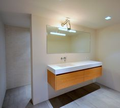Frank Weil - villa Laren - moderne badkamer design Villa, Bathtub, Bathroom, Home, Design, Standing Bath, Washroom, Bath Tub, Bathtubs