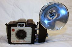 Vintage Eastman Kodak Brownie Holiday Box Camera with Kodalite Flash 127mm Film