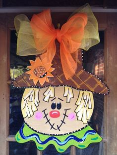 2015 Scarecrow Thanksgiving Wooden Door Hanger Crafts - Cute decor for Thanksgiving Thanksgiving Crafts, Fall Crafts, Holiday Crafts, Diy And Crafts, Burlap Door Hangers, Fall Door Hangers, Letter Door Hangers, Fall Halloween, Halloween Crafts