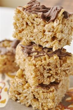 Cinnamon Toffee Rice Krispie Treats. sounds like a good twist on the 'ol rice krispie treats!