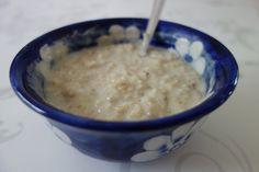 Recette porridge light. Découvrez ma recette de porridge aux flocons d'avoine à cuire au micro-ondes - Recette simple et allégée.