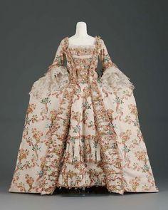 Robe à la Française 1770s The Museum of Fine Arts, Boston (OMG that dress!)