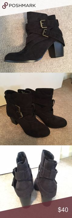 American Eagle • Suede Buckle Booties ✨Take 30% off when you bundle 2+ items!✨.             Like new - Only worn a few times. Size 9. These cute Black booties are great for any season. In my opinion these run small. I am a size 8 and these fit perfectly.  Smoke free home. Let me know if you have any questions! American Eagle Outfitters Shoes Ankle Boots & Booties